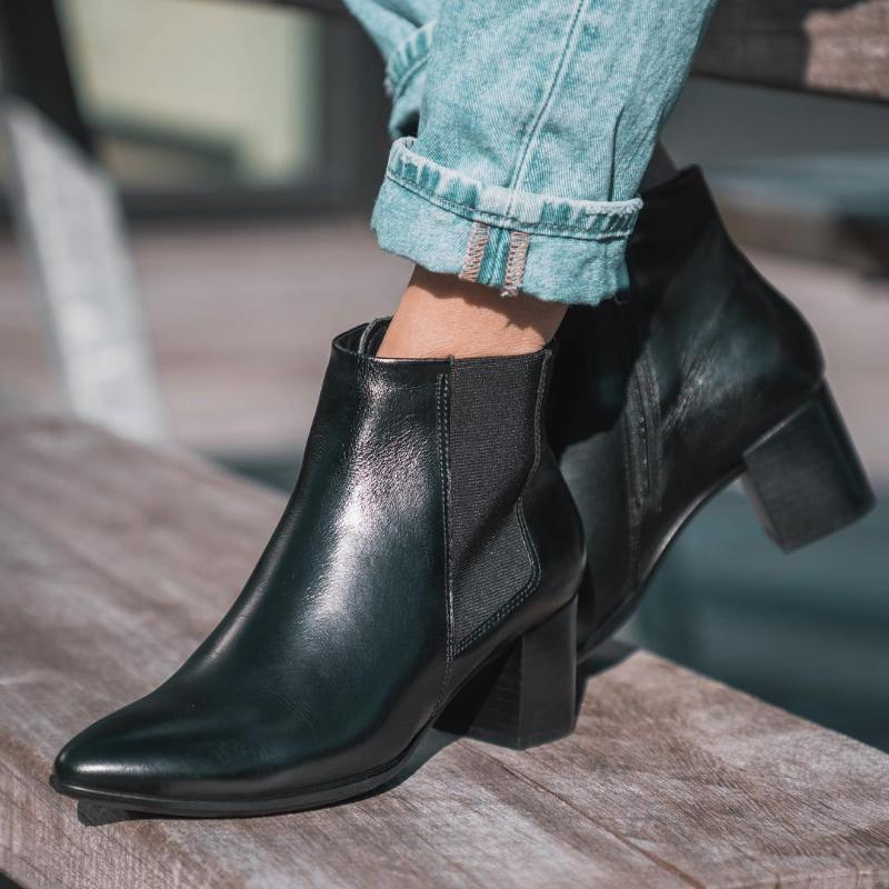 heeled everyday boots