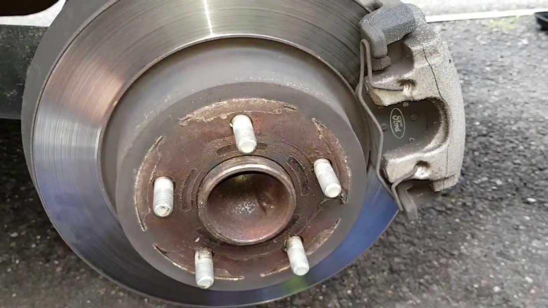 ford focus brake pads