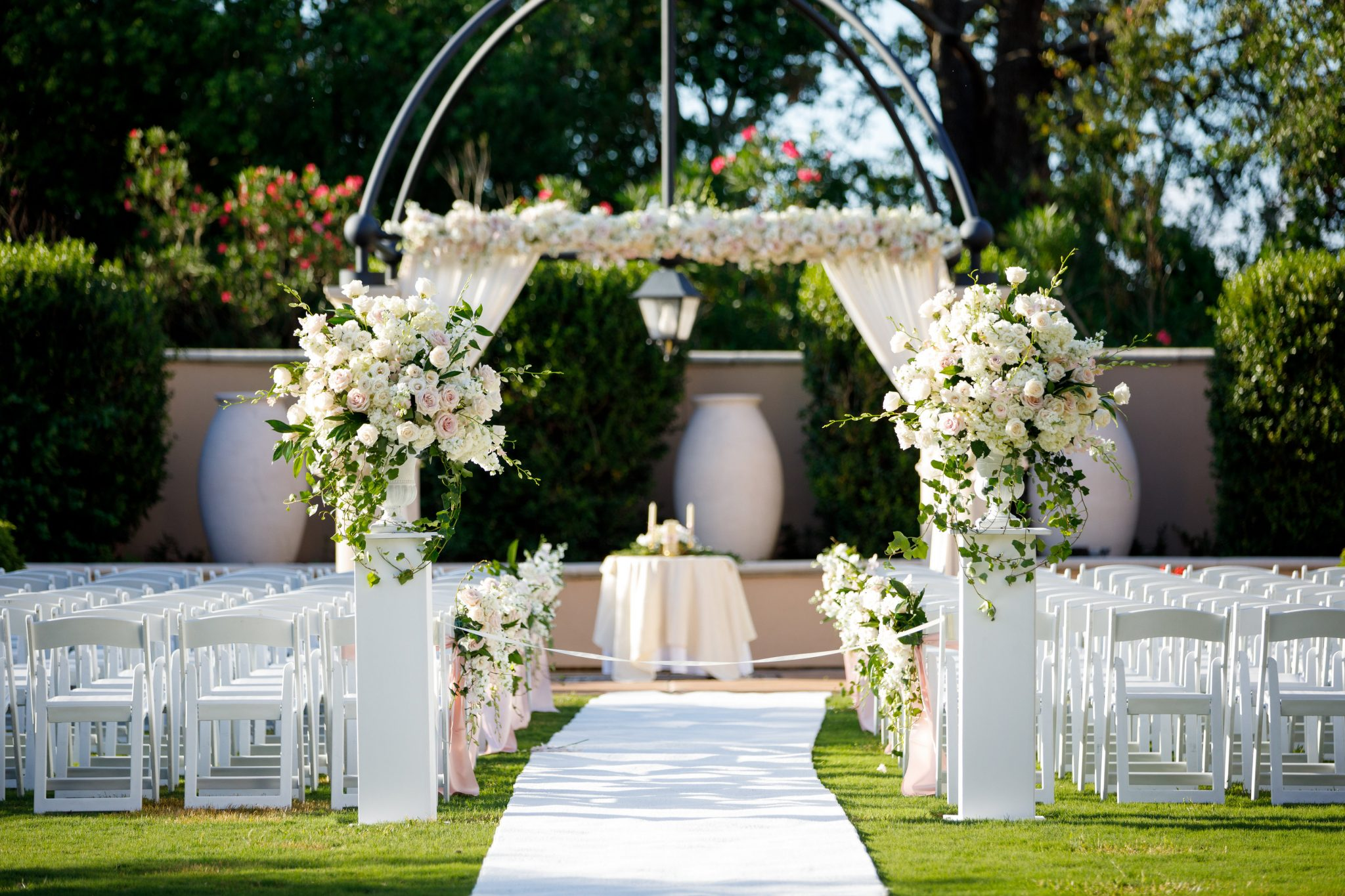 Wedding urns and pedestals