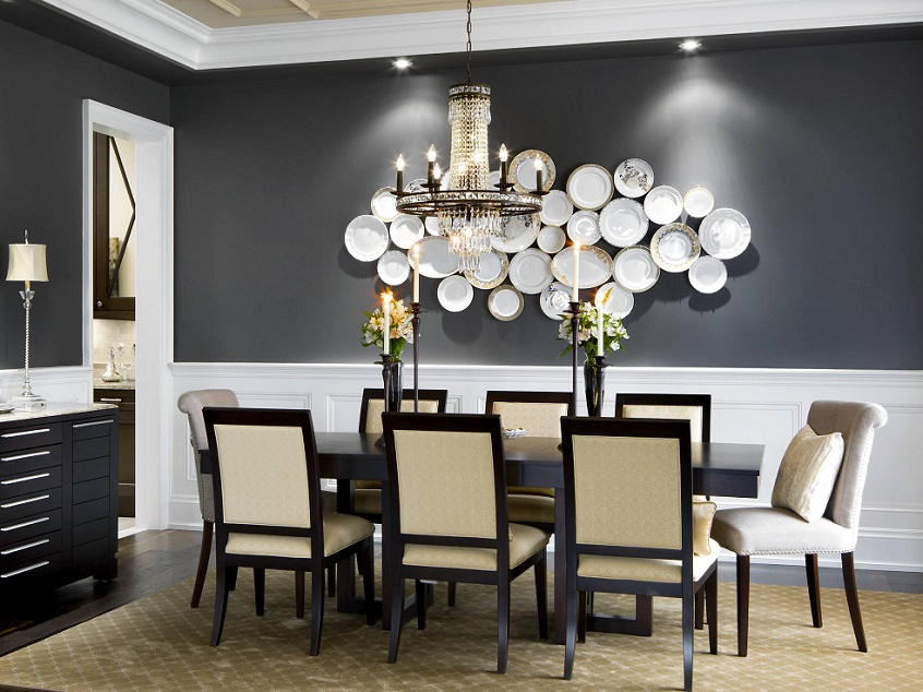 Decor with hanging plates on the wall